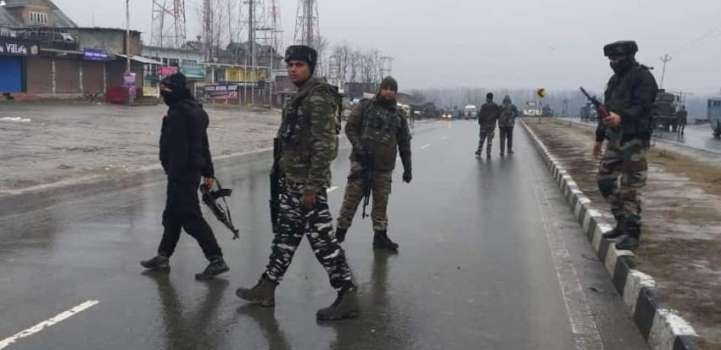 At Least 18 Indian Police Officers Killed in Blast in Kashmir - R ..