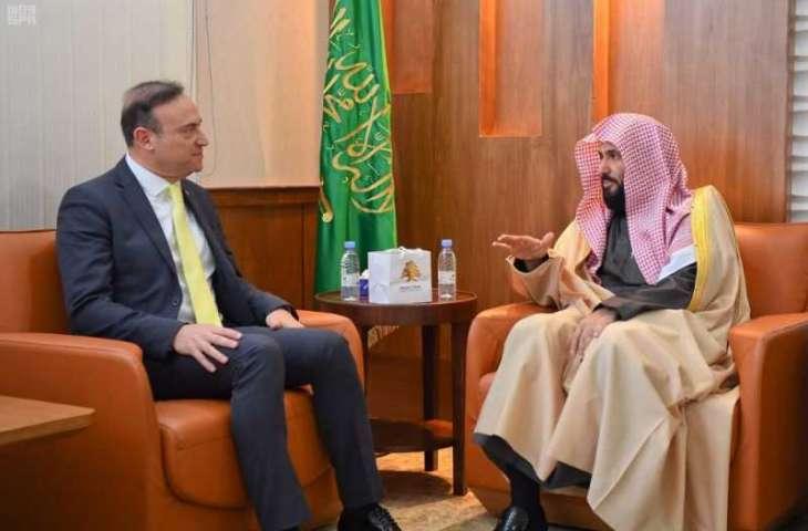 وزير العدل يستقبل السفير اللبناني ويبحث معه مجالات التعاون