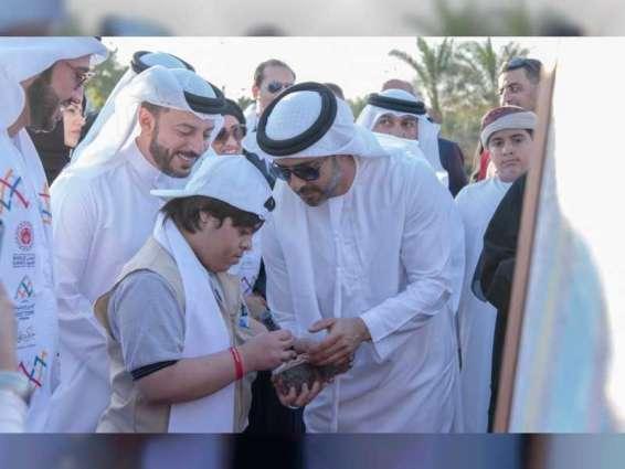 15c60e0b4 عبدالعزيز النعيمي يشارك أصحاب الهمم في مبادرة نمشي معا بعجمان ...