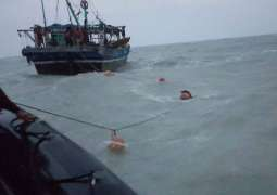 Sindh govt launches operation against usage of prohibited net by fishermen