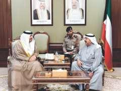 وزير الدفاع الكويتي يستقبل سفير الدولة