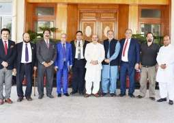 Masood encourages overseas Kashmiris to invest in AJK