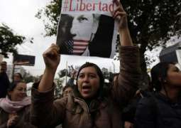 Moreno's Opponents Plan Protests in Quito Over Withdrawal of Assange's Asylum by Ecuador