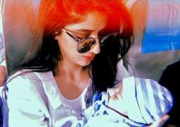 Mawra Hocane makes a baby friend during flight