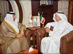 سفير الدولة في الكويت يلتقي محافظ محافظة مبارك الكبير
