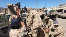 مقاتلات الجيش الليبي تقصف تمركزا لقوات حكومة الوفاق بطريق المطار طرابلس - مصدر عسكري