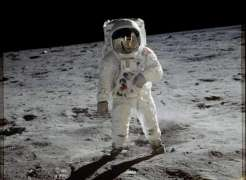 ESA to Look at Speeding Up Lunar Projects Amid US Plans to Land on Moon by 2024 - Chief