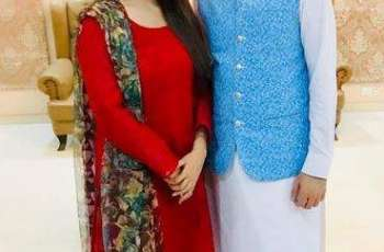 Anchor couple Iqrar ul Hassan and Farah Yousaf celebrate 7th anniversary