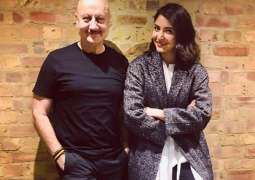 Anupam Kher meets Anushka Sharma in London; has a chit-chat session