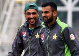 Shoaib Malik, Mohammad Amir request people to be kind to them