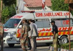 Truck-ambulance collision claims one life in Karachi