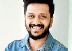 Bollywood's Riteish Deshmukh extends support to Sarfaraz Ahmed