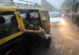 Mumbai: Heaviest rain in decade triggers chaos