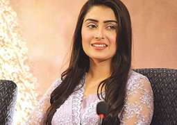 Received offers from Bollywood, tells Ayeza Khan