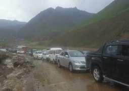 Thousands stuck in Balakot after land sliding
