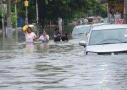 Bihar and Uttar Pradesh: More than 100 dead in fresh India flood chaos