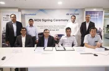 Hyundai Nishat Motor signs MOU with AkzoNobel Pakistan
