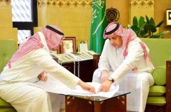 وكيل إمارة الرياض يستقبل مدير شركة ميدان ديراب لسباق السيارات والدراجات النارية