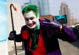 Two US movie theater chains ban masks at screenings of Joker'