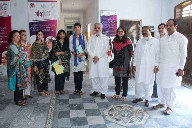 DFID Pakistan Head Joanna Reid, lawmakers visit SiyaniSahelian program in Bahawalpur
