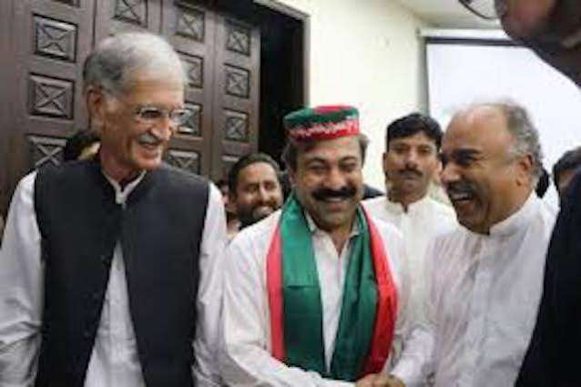 Pakistan Tehreek-e- Insaaf (PTI) provincial assembly member Iqbal Wazir makes hair breadth escape in life attempt