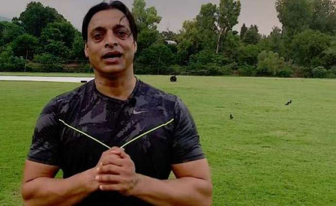 Shoaib Akhtar Visits Muhammad Waseem on Winning