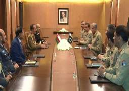 Oman's Chief of Staff calls on General Bajwa