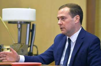 Russia's Medvedev Calls Netanyahu to Wish Him Happy 70th Birthday, Discuss Bilateral Ties