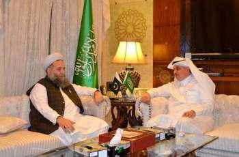 سفير خادم الحرمين الشريفين لدى باكستان يستقبل وزير الشؤون الدينية الباكستاني