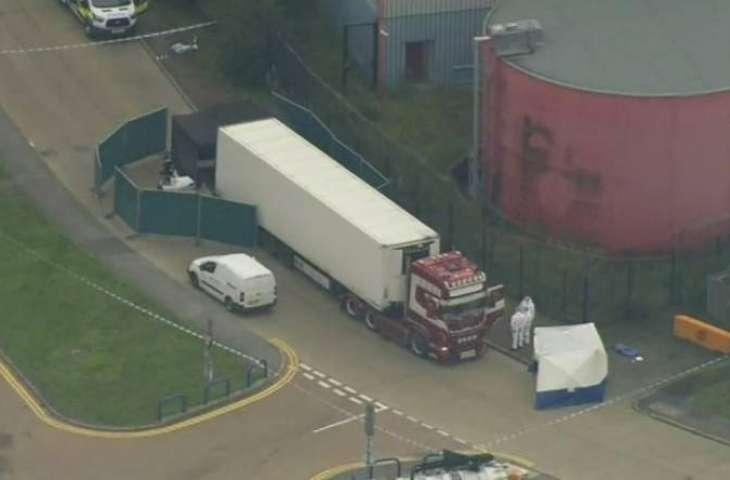 الشرطة البریطانیة تعثر علي 39 جثة داخل شاحنة في منطقة ایسکس