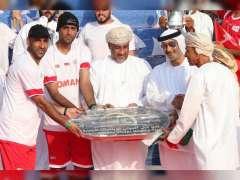 قوارب البحرين وعمان تتألق في سباق دبي للتجديف