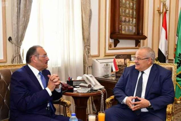 سفير خادم الحرمين لدى مصر يزور جامعة القاهرة ويلتقي بالطلبة السعوديين