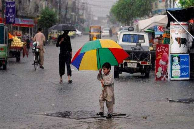 Rain, hailstorm turn weather cold in parts of country