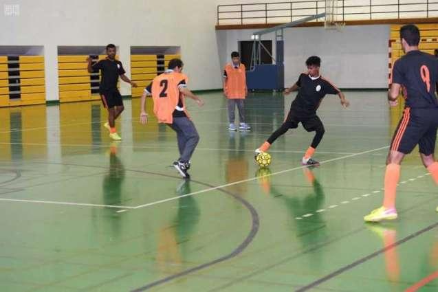 تأهل ناديي تبوك والدمام في اختتام دوري خمسيات كرة القدم لذوي الإعاقة الذهنية بتبوك