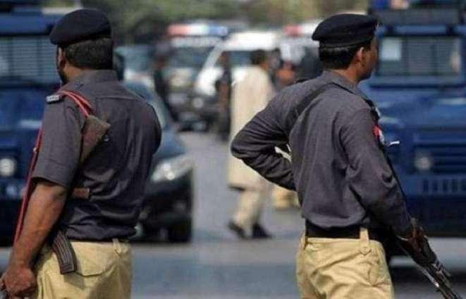One drug peddler arrested, three street criminals held by police in Karachi