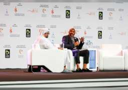 Thousands turn out to meet international star Steve Harvey at SIBF