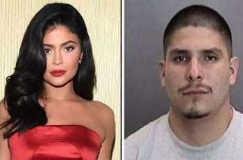 القبض علي الرجل بتھمة تحرش بممثلة أمریکیة کایلي جینز