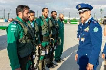فريق الصقور السعودية يشارك بمعرض دبي الدولي للطيران