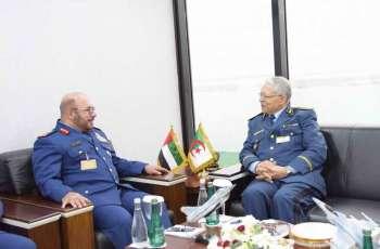قائد القوات الجوية يستقبل عددا من ضيوف معرض دبي للطيران