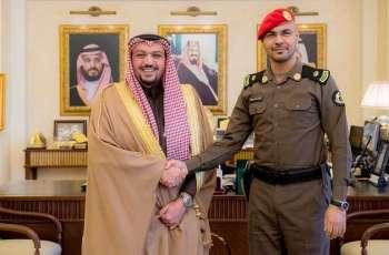 سمو أمير منطقة القصيم يقلد بن بتلاء رتبته الجديدة