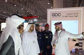وكيل وزارة الدفاع يقوم بجولة في معرض دبي للطيران 2019