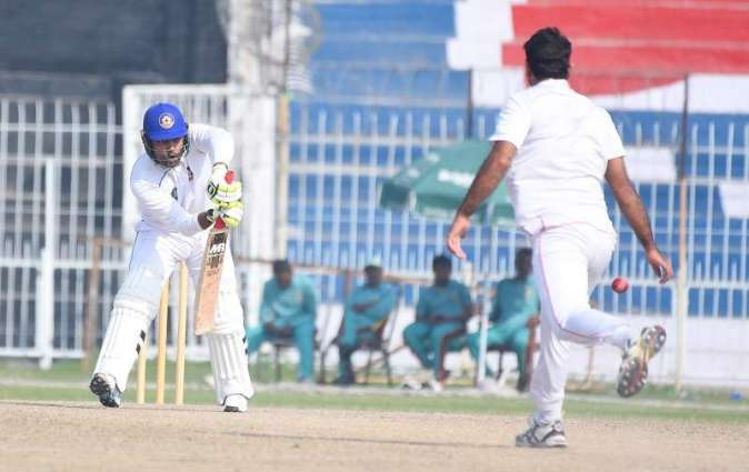 Spinners help Central Punjab gain first innings lead over Northern