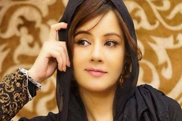 Rabi Pirzada decides to perform Umrah after quitting showbiz