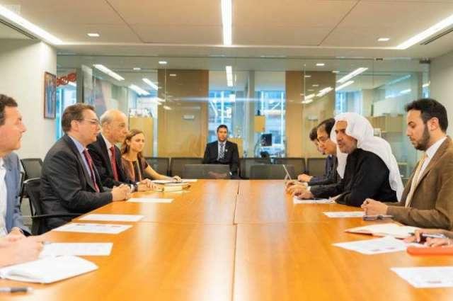 الدكتور العيسى يلتقي مستشار البيت الأبيض ومراكز الأبحاث الأمريكية.. والرئيس المصري يمنحه وسام العلوم والفنون من الدرجة الأولى