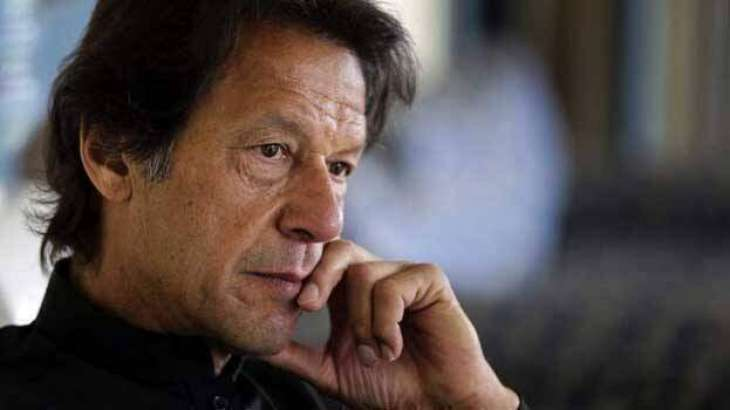 What resistance PM Khan faced while allowing Nawaz Sharif to fly to London?