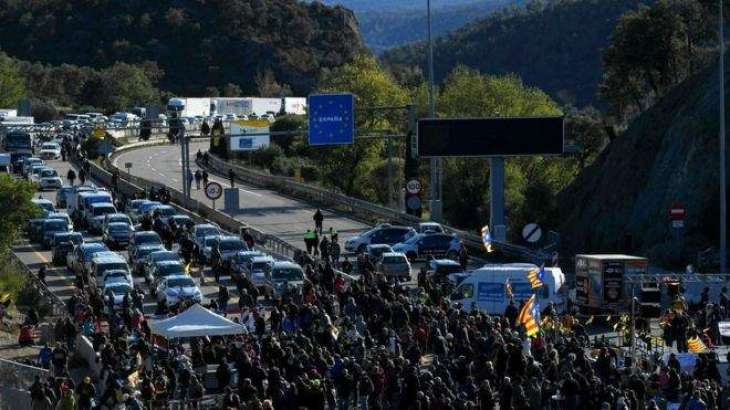 French Police Use Force to Disperse Catalan Protesters From Blocked Highway - Reports