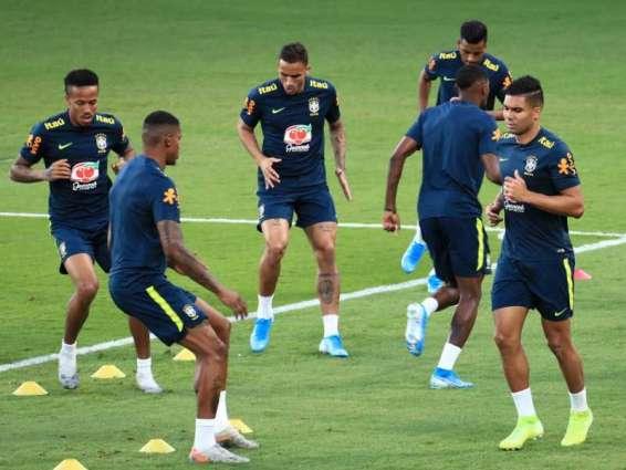 منتخب البرازيل يتوجه غدا إلى السعودية للقاء الأرجنتين ويعود السبت لأبوظبي لمواجهة كوريا