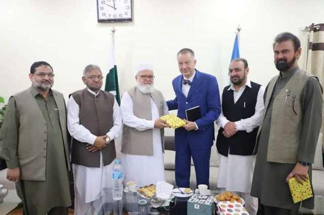 زعیم الجماعة الاسلامیة الباکستانیة لیاقت بلوش یستقبل السفیر الألماني لدي اسلام آباد