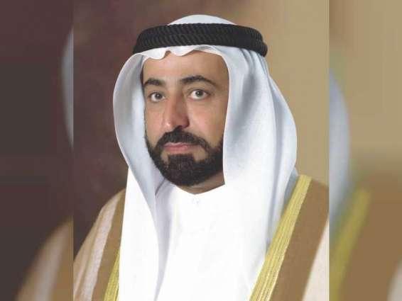 حاكم الشارقة يهنئ سلطان عمان باليوم الوطني للسلطنة