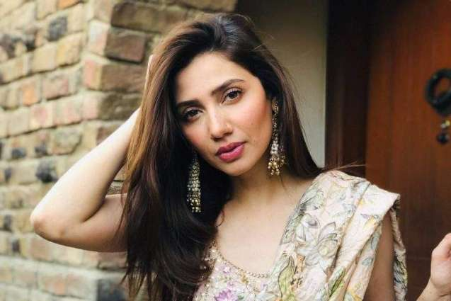 Mahira Khan says she doesn't put a lot of makeup